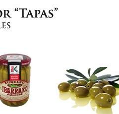 Antipasti di Natale, olive, asparagi e peperoncino