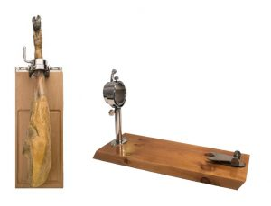 Quale supporto a prosciutto scegliere, da parete o da tavolo?