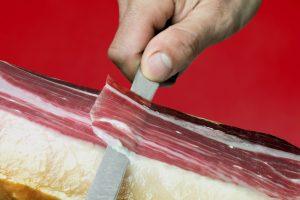 importanza tagliare correttamente il prosciutto intero