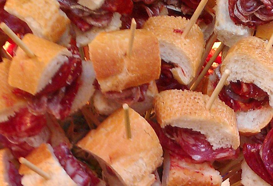 Ricetta: salsiccia e chorizo spiedini di Bellota