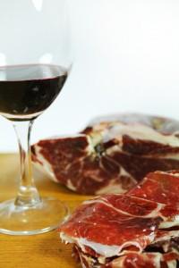 Prosciutto iberico e vino alleati nella vostra dieta per perdere peso