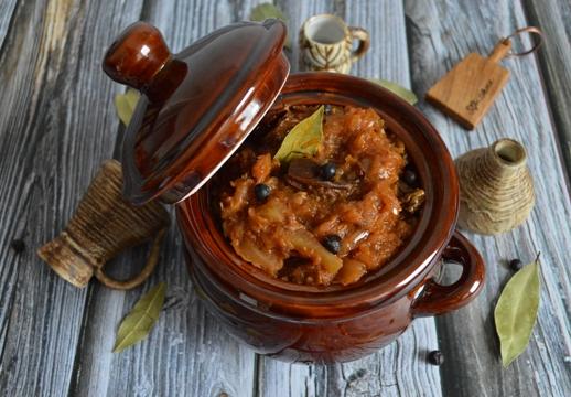 Bigos con prosciutto spagnolo e chorizo